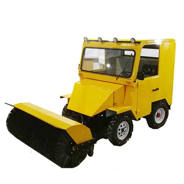 小型驾驶式扫雪车,青马多功能清雪车